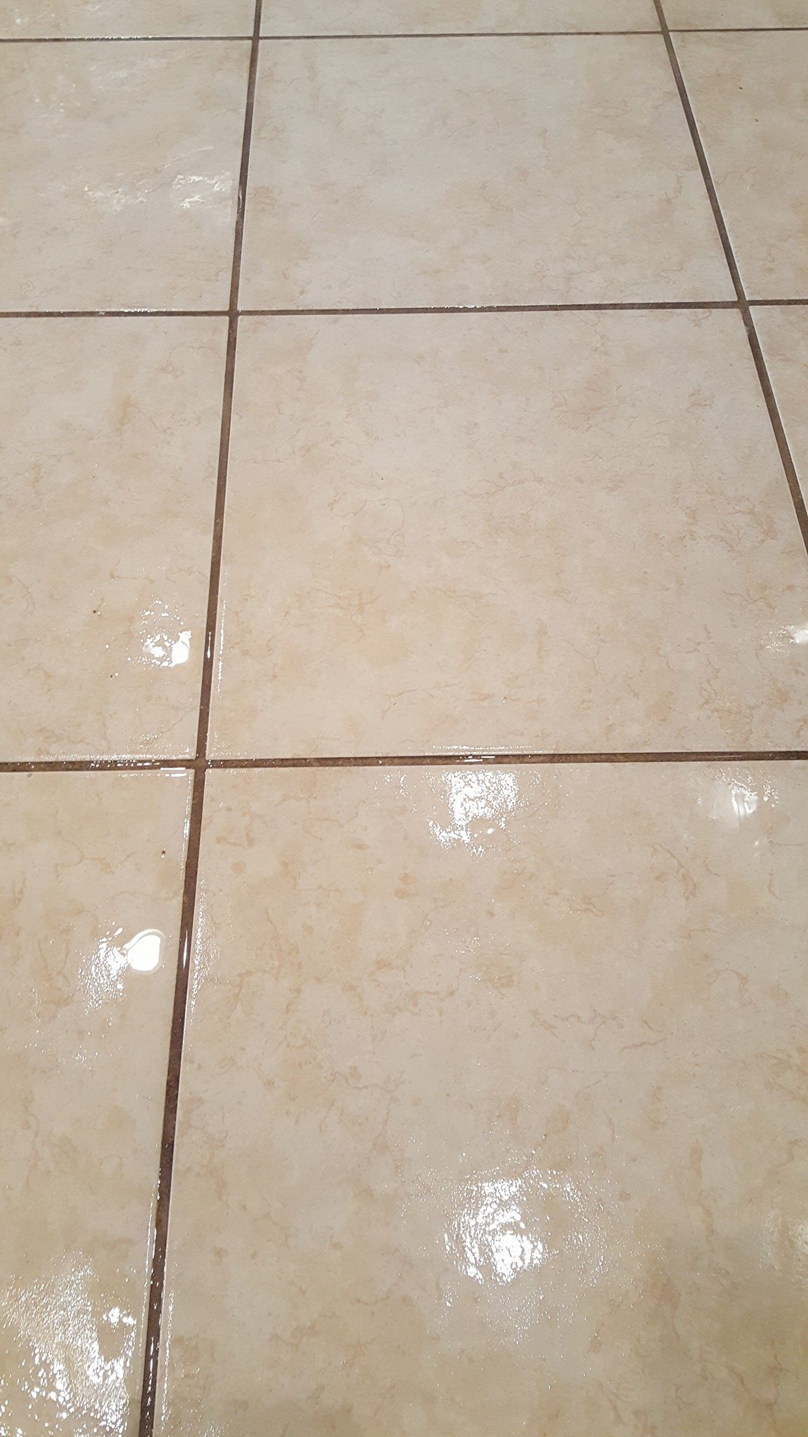 residential-tile-and-grout-cleaning-southercarpetsolutions-services